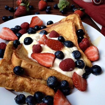 Mixed-Berry-Cheesecake-French-Toast.jpg
