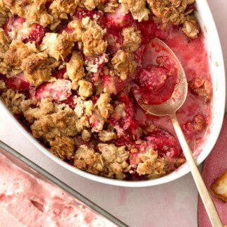 strawberry-crumble-xl.jpg