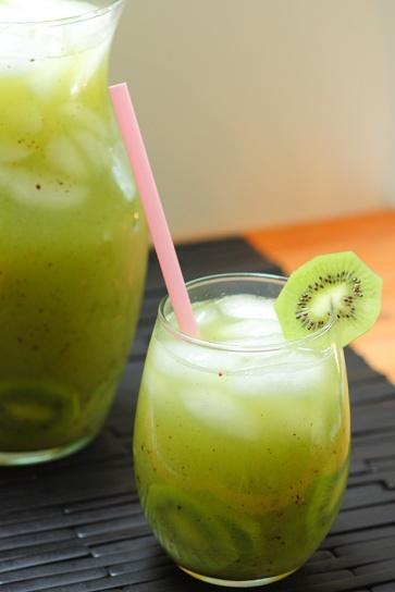 kiwi-cucumber-agua-fresca-3.tif.jpg