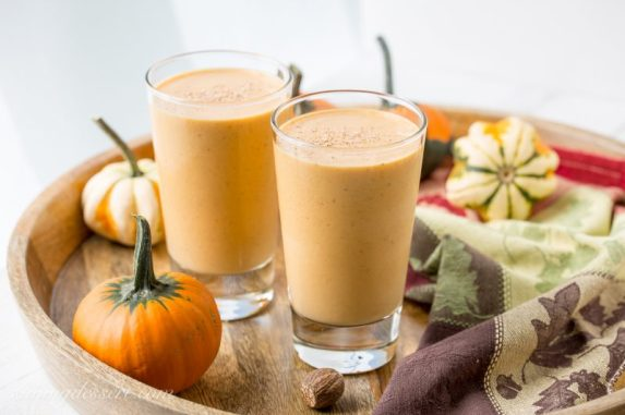 Pumpkin-Pie-Smoothie-4-800x533