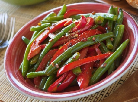 Green Beans with Red Pepper and Garlic